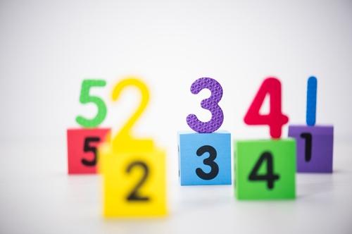 中位数、众数和几何平均数
