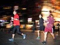 【跑步专栏·视频】夜跑?跑了才懂!