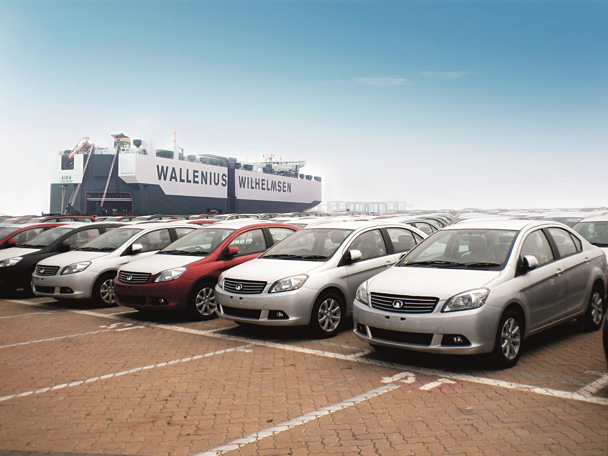 延续长城汽车在国内的成功模式,从细分的皮卡SUV市场切入,然后在细分市场做到最好,并进行下一步的扩张。这是长城汽车和其他中国本土汽车品牌在出口战略上最大的差异。 2004-2007年,俄罗斯市场曾经是中国汽车品牌最大的海外热土,很多在国内甚至很少看到的汽车品牌都到俄罗斯市场掘金。但是随着中国汽车的蜂拥而入,并不断高调的抢占市场,引起了俄罗斯政府高层的警惕,同时俄罗斯媒体对于中国汽车产品质量的质疑也到了一个高潮。有第三方认证机构NCAP把奇瑞旗云和吉利自由舰拿来做碰撞试验,最终得了最低分。为此俄罗斯筑起了