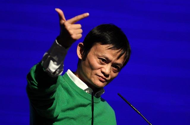"""阿里影业市值超800亿港元!跟着马云""""炒股"""",赵薇狂赚44亿"""