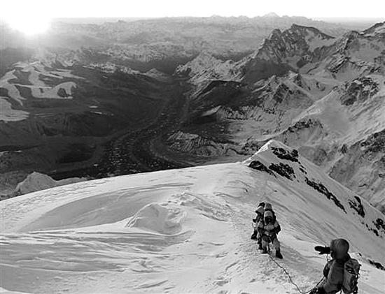 向那些怀着自由梦想的珠峰挑战者致敬-钛媒体官方网站