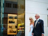 """重新定义""""奢侈品"""",不仅仅是降价"""