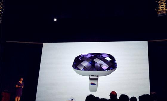 有了中兴这款智能戒指,就可以扔掉自拍杆了-钛媒体官方网站