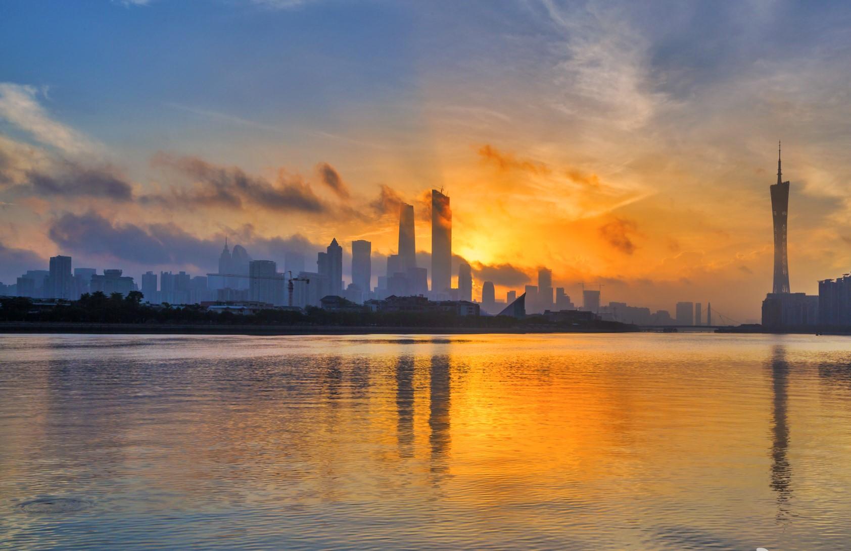 Entrepreneurs In Guangzhou, Struggling-钛媒体官方网站