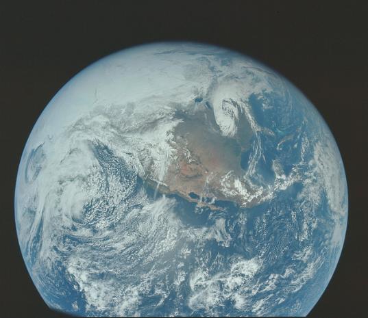 朋友圈的照片都弱爆了,NASA首次披露近万张登陆月球实景照-钛媒体官方网站