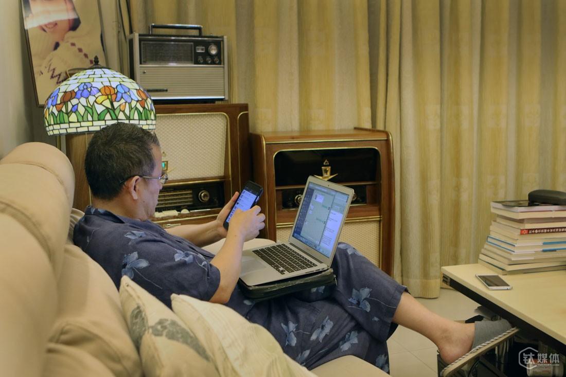 12月3日晚上,曾德钧受邀在一个智能硬件微信群做分享。从2015年年初第一次在线下活动做分享开始,他常常收到各类线上线下的邀请,一般只要有时间,对方是认真做事,又是公益性质的,他都会接受邀请,并且精心准备材料。