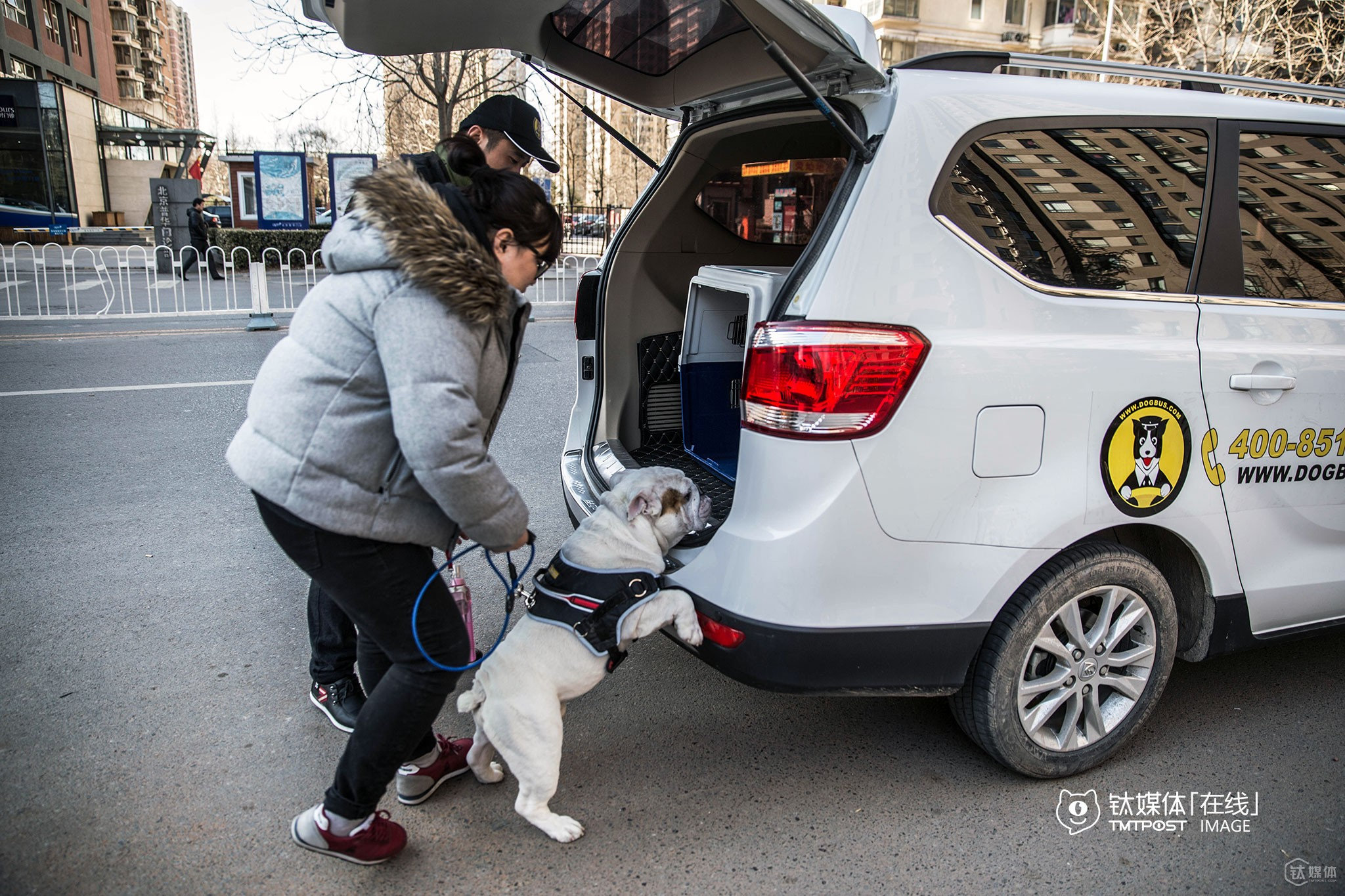 "On February 20th, 2016, a DogBus was picking up a user and his dog from Shuangjing, to a ""pet paradise"" around the north three ring of Beijing. At present, DogBus charges users with 3.8 RMB per kilometer (no basic fare, no time rate). Users could book a DogBus and estimate the fare by simply inputting the starting and drop-off point via DogBus's WeChat Official Account."