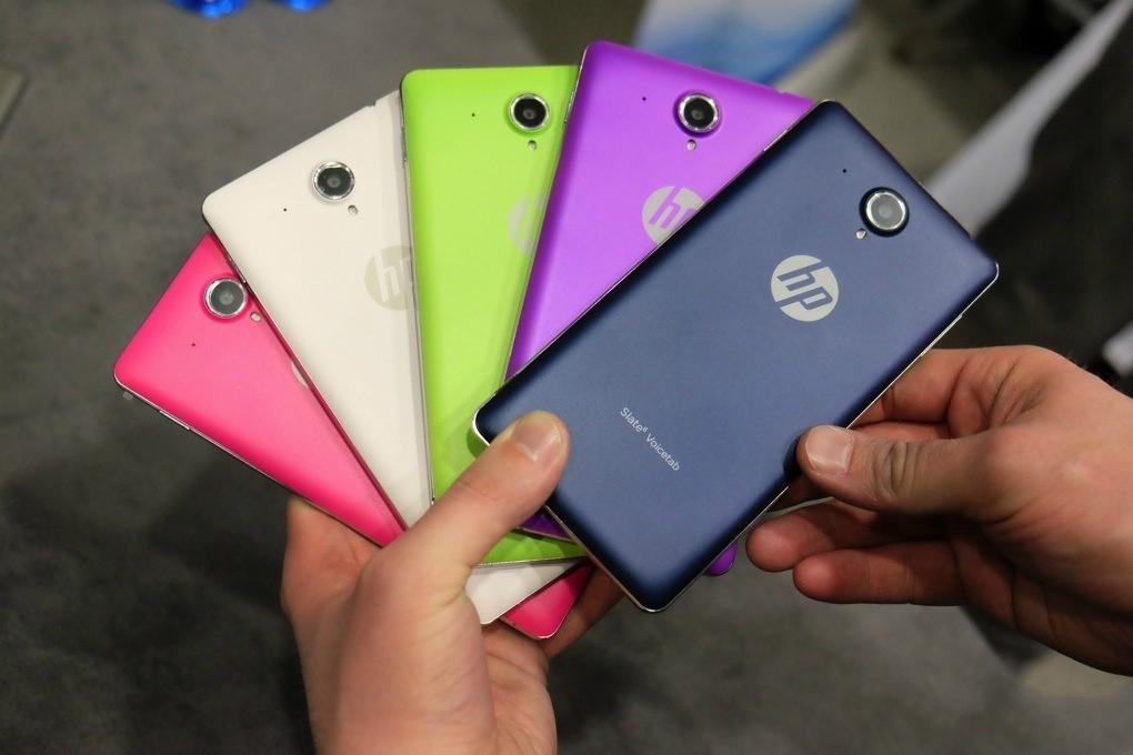 图为2014年MWC惠普推出的平板手机Slate 6