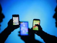 """从""""新国货""""和""""新中产"""",看手机行业的新焦点"""