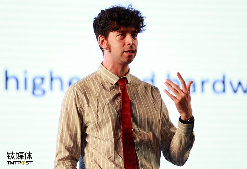 Nick Fortugno是纽约Playmatics游戏开发工作室创意总监以及联合创始人