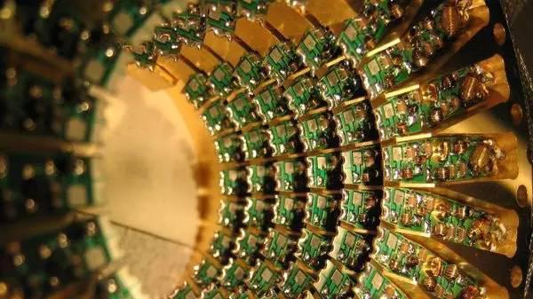 量子计算机,下一个科技的拐角点        翻译失败