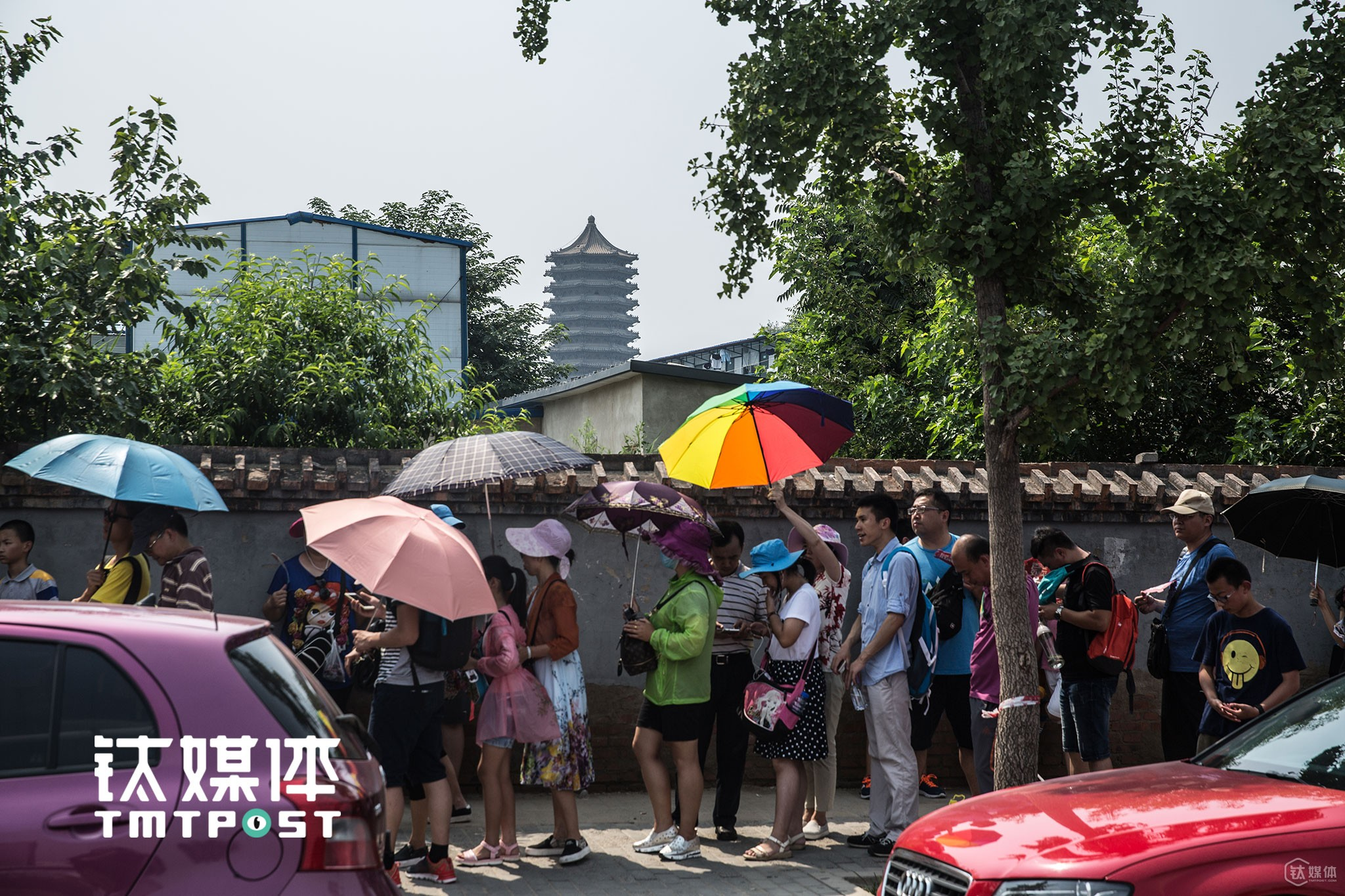 "Chinese parents and students (primary or high school) waited in queues to pay a visit to Peking University during the Summer Vacation. A huge refurbish plan has already begun: the 7.2-kilometer-long Zhongguan Village Avenue, with the East Gate of Peking University to the north and the Baishi Bridge South to the south, is going to be upgraded into ""A Street of Innovation"". All the 36 office buildings, 18 shopping malls, small-sized retailing markets as well as 8 electronics malls are going to be upgraded and refurbished. ""It's hard to see so huge scale of upgrading and refurbishing in this area due to the complex property right. For a long while, people find it hard to see any change on the avenue,"" a relevant personnel told TMTpost."