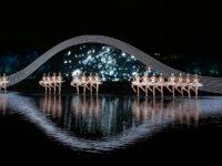 张艺谋用全息投影导了一场高难度表演:在西湖水上跳《天鹅湖》