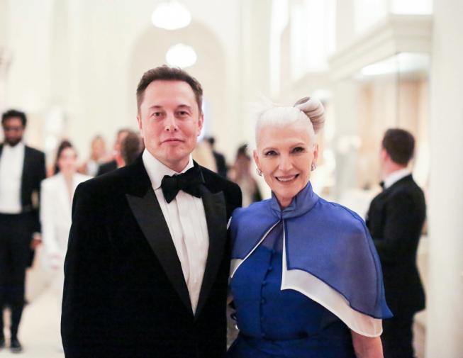 Elon和Maye