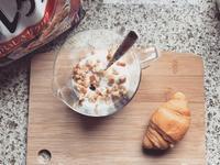 西式麦片和中式外卖都盯上了你的早餐餐桌,但显然后者已经输了