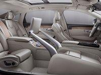 骨科医生参与设计前排座椅的沃尔沃预售新车,卖点还是「安全驾驶」系统