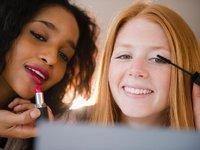 """化妆包背后是个女性消费大市场,这款APP想更智能的""""教你化妆"""""""