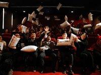 """""""毒舌电影""""成功吸引了2000人看小电影,可包场影院的生意并不好做"""