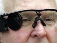 """如何对抗失明,仿生眼提供了一个""""万能""""的解决方案"""