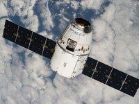 Space X载人火箭新进展:搭载两名乘客明年绕月飞行