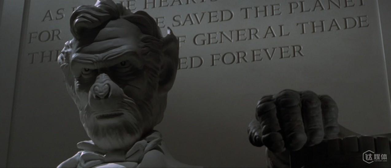 当林肯雕像在科幻世界线中被置换为人猿,这样的结局充满了颠覆性 来源:collider
