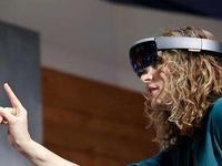 微软取消Hololens二代产品研发,打的什么算盘?