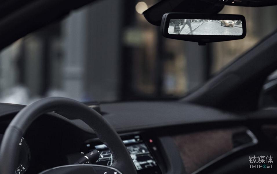 车内的流媒体后视镜,只有40T版配置