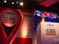 """雷军:小米将""""互联网+""""模式引入印度,半年内发布重量级 AI 产品"""