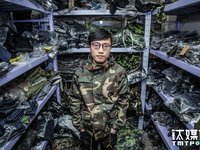 Photo Gallery 050: Two Chinese Taobao Store Owners' Five Years Of Ups And Downs, Starting From An Investment Of $72 Each