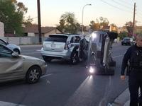 Uber无人驾驶汽车发生撞车事故,测试项目暂停|钛快讯