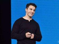 "Airbnb创始人进行了来华后的首个演讲,还给公司取了个""爱彼迎""的中国名"