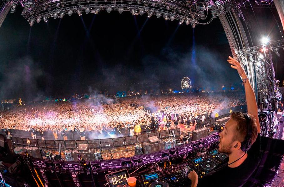 2014年Calvin Harris在Coachella上表演。图片来源/http://xfadering.com