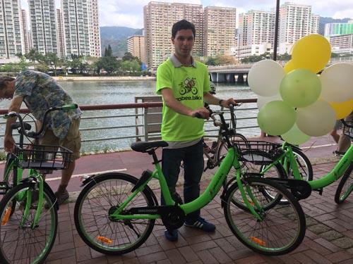 【钛媒体综合】继内地和台湾之后,香港终于也有共享单车了。昨日,香港首个共享单车平台gobee.bike正式开放使用,收费为每半小时5港元。
