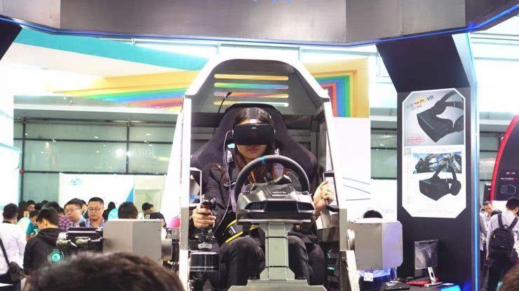 VR就像一剂活水,向一些逐渐没落的产业注入了活力。上文提到的运动控制行业,因为这两年制造业不景气,许多厂家倒闭。VR的兴起给了很多厂家新的出路,迅速铺开的VR体验馆提供了大量的订单。
