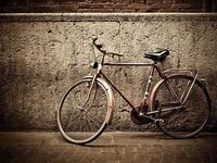 共享单车还没盈利,漏洞倒是滋生了灰色产业连