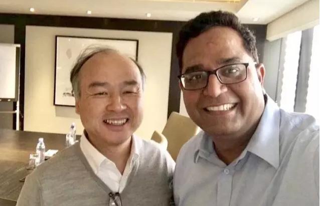 由Paytm创始人兼CEO Vijay Shekhar Sharma发布的他和孙正义的自拍照