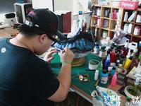 """在鞋上作画,球鞋定制师的另类""""疯狂""""   《钛短了》青春上线"""
