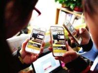 """陌陌赚钱能力是微博的四倍,社交""""二王""""迥异的道路选择"""