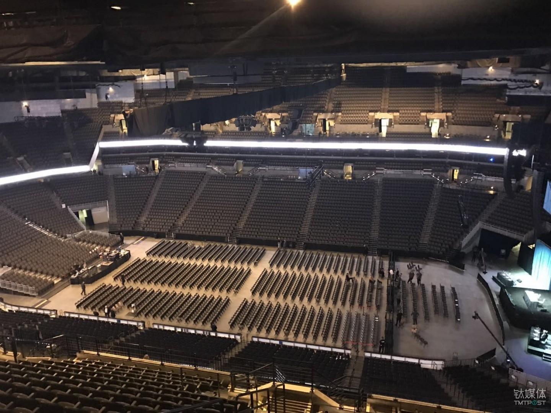 钛媒体在2017巴菲特股东大会现场,开幕前俯瞰全场