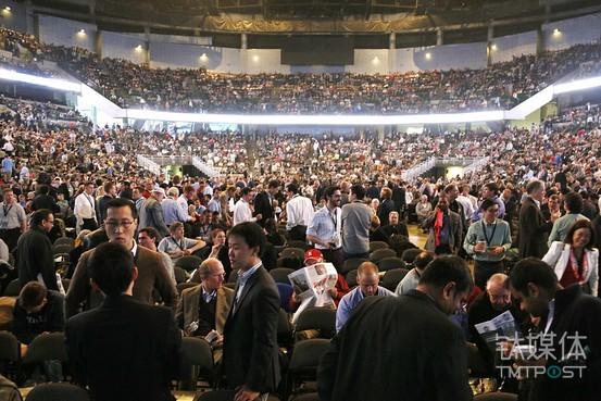 股东大会现场盛况。图片来源/http://s.wsj.net