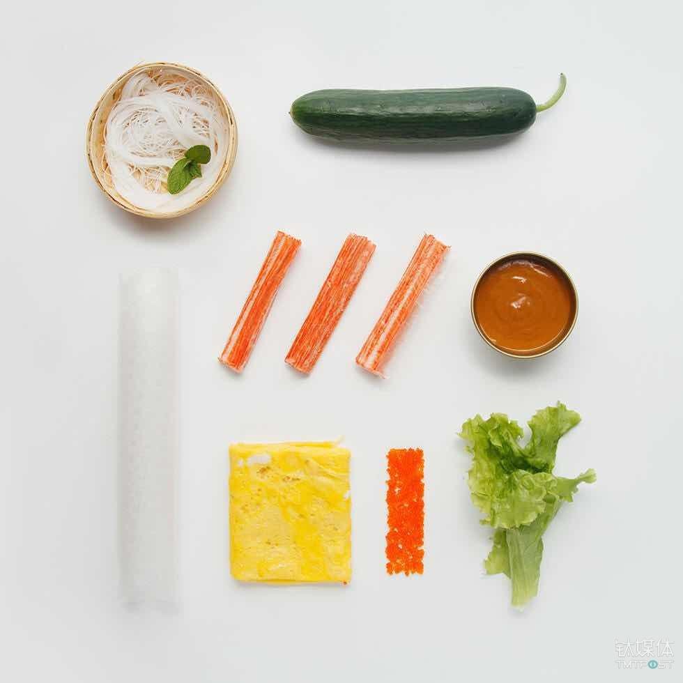 每道菜品所需的食材、调料被分开包装