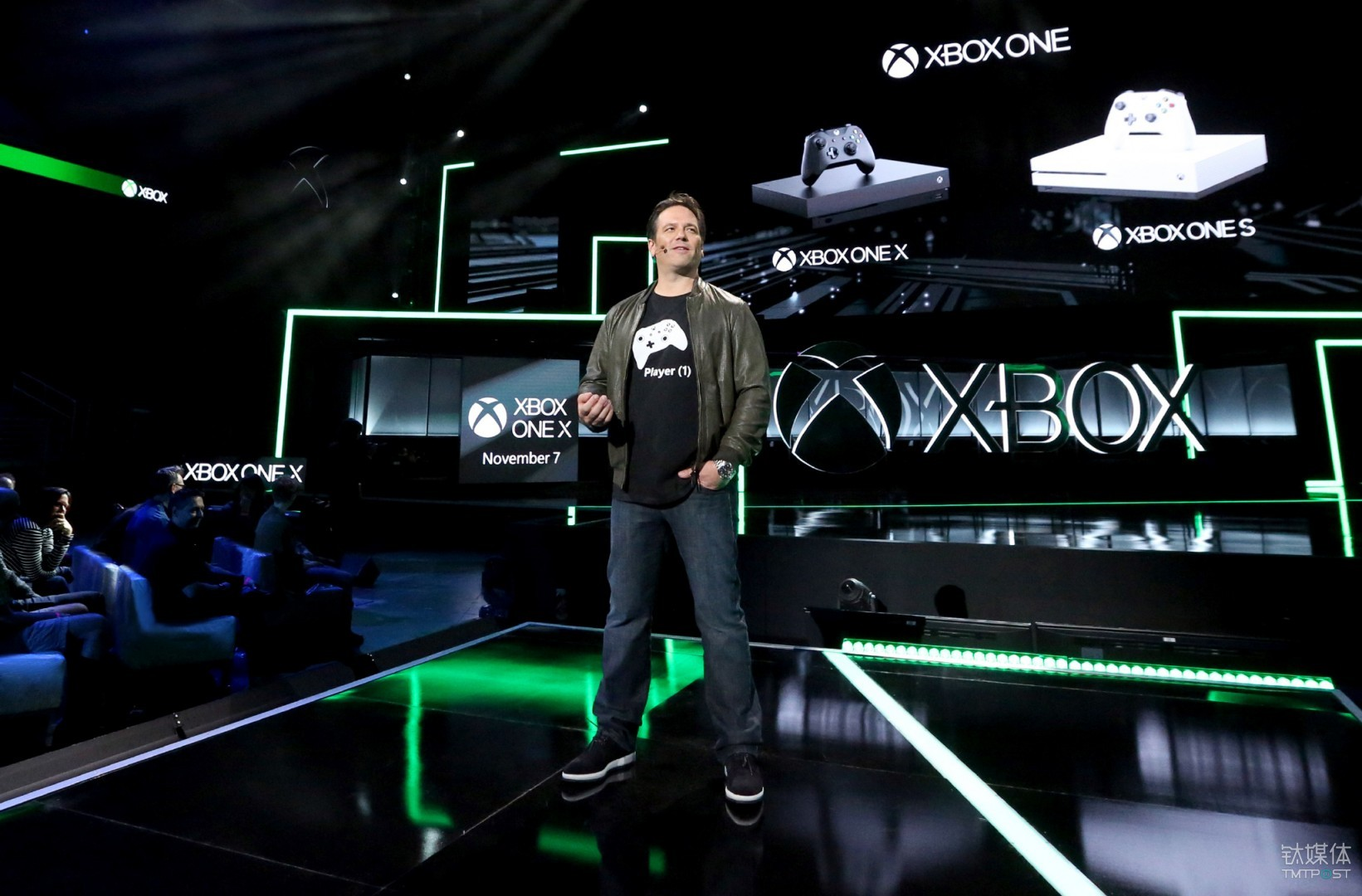 菲尔·斯宾塞在今年 E3上介绍 Xbox One X Casey Rodgers/Invision for Xbox/AP Images