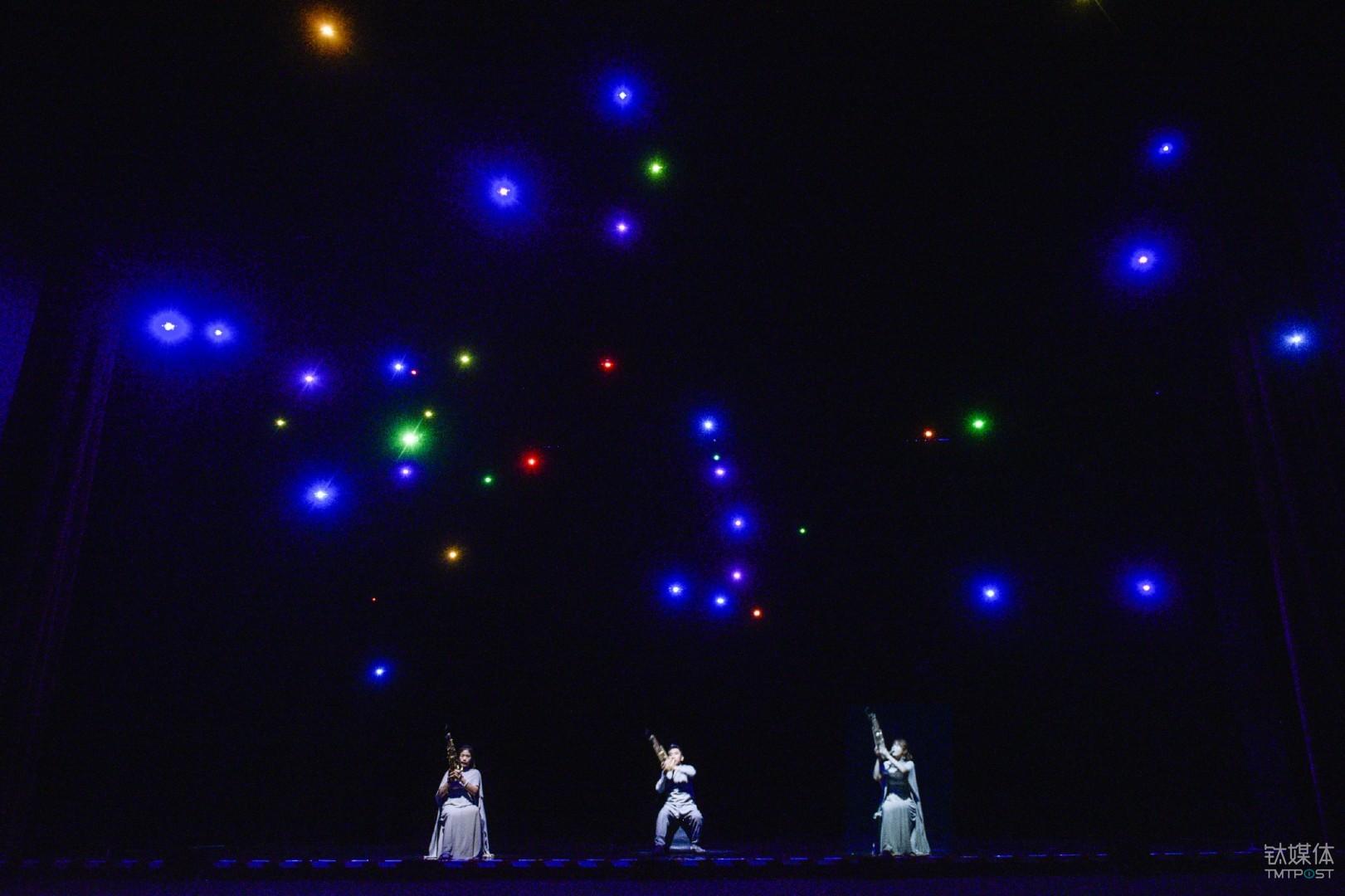 Synthetic Swarm 在国家大剧院舞台上的实际效果