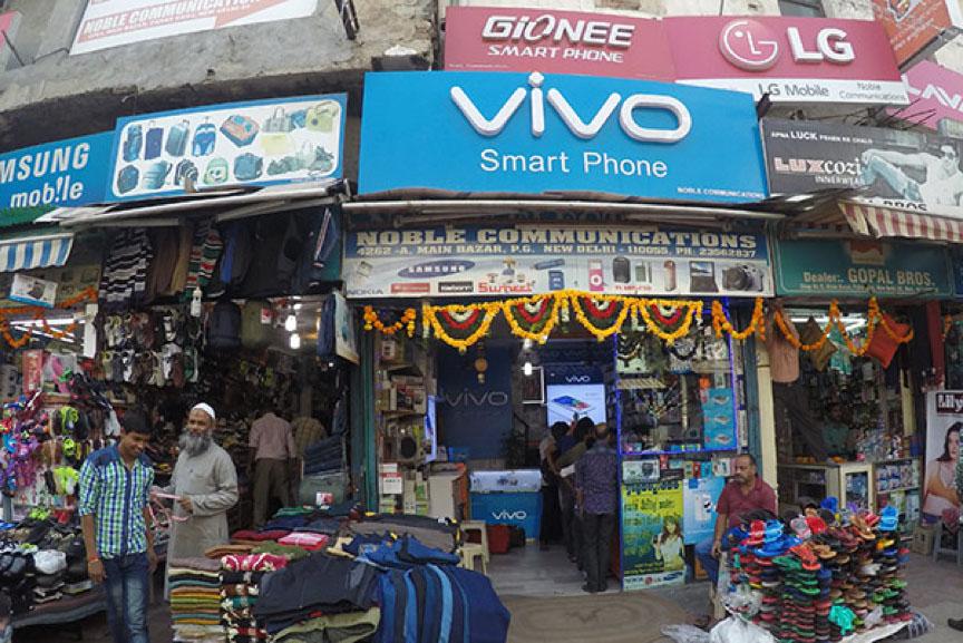 不堪中国手机品牌轰炸,印度本土手机企业开始反击