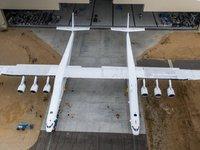 """微软联合创始人去造飞机了,""""世界最大""""飞机只载火箭不载人"""