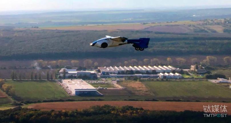 AeroMobil成立于2014年,公司位于斯洛伐克,定位于生产多模式汽车(Multi-model vehicel),解决的是50-500公里之间低效的交通需求。