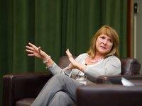 苹果前高管Heidi Roizen谈创业心得:别紧抱估值不放,裁员要一次性完成