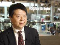 华为轮值CEO郭平:华为将长期投入公有云建设 | 钛快讯