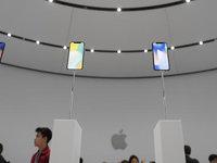 【钛晨报】iPhone X周五接受预定,但今年出货量仅有2000万部