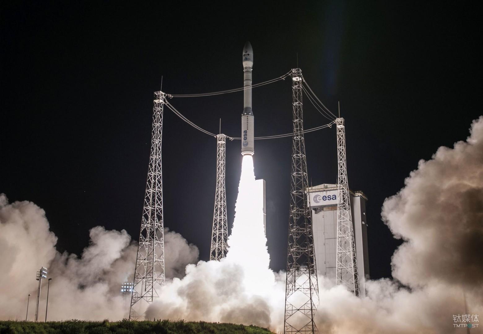 2016年,一支搭载 Terra Bella 微型卫星的火箭成功升空 (Jim Guillon / AFP/Getty Images)